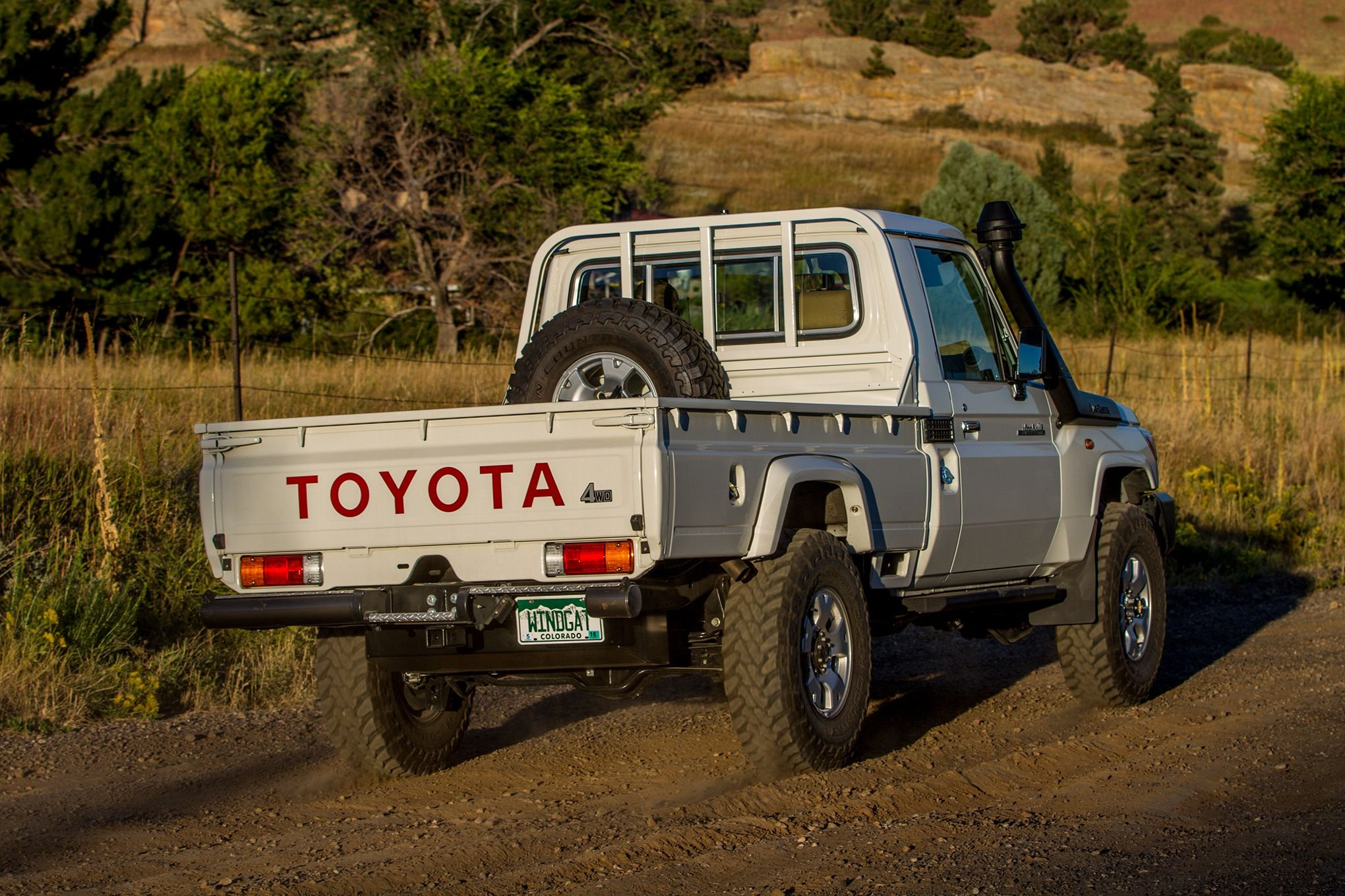 2010 toyota land cruiser pickup offroad 4x4 custom truck. Black Bedroom Furniture Sets. Home Design Ideas