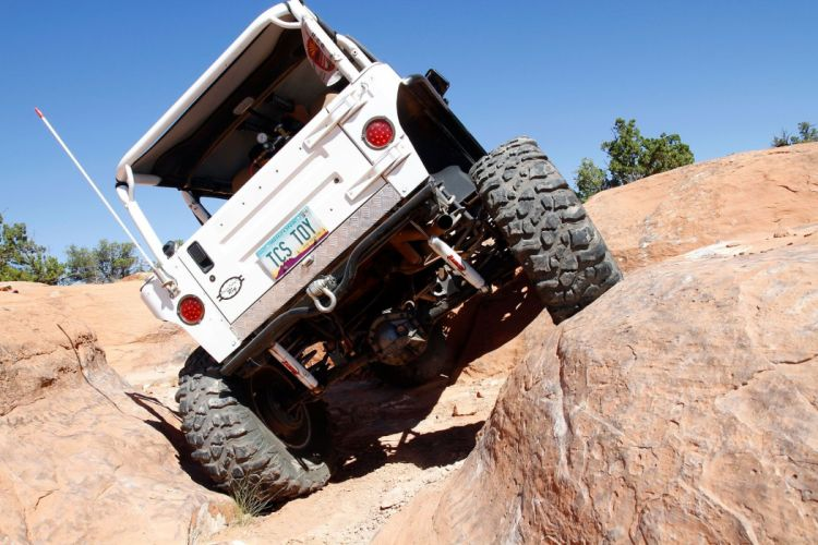 2001 Jeep Sahara Wrangler offroad 4x4 custom truck suv wallpaper