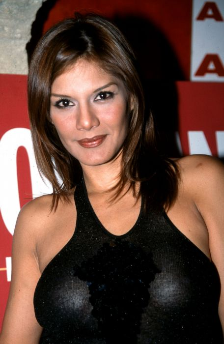 ivonne reyes actriz modelo venezuela wallpaper
