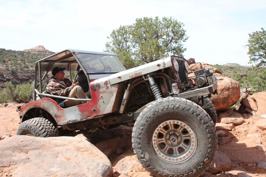 JEEP offroad 4x4 custom truck suv retro wallpaper