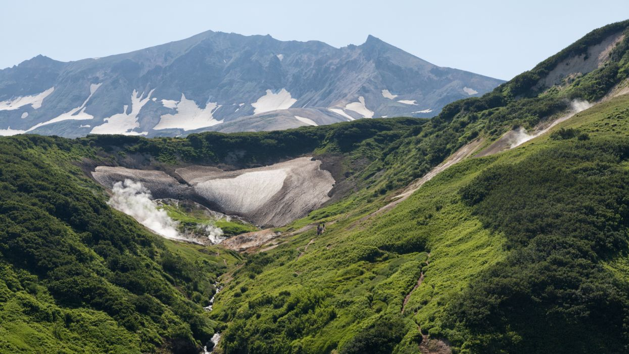 Russia Scenery Mountains Kamchatka Nature wallpaper