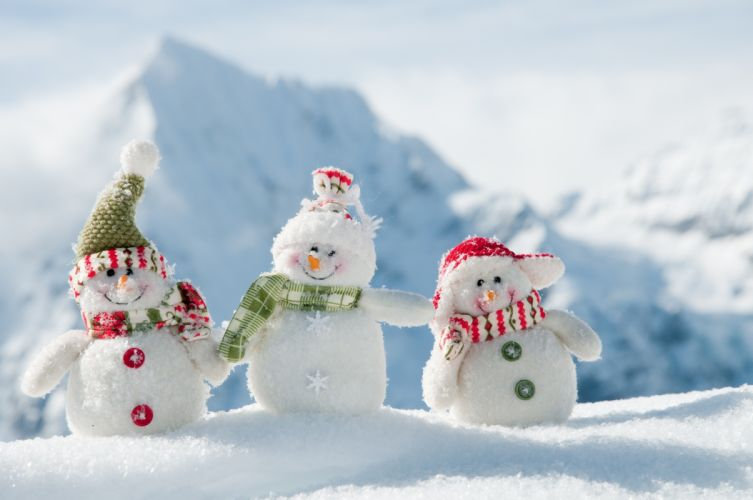 Snowy Toys Gift on Christmas Holiday wallpaper