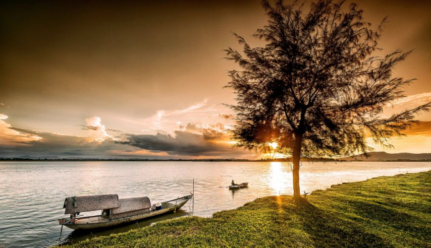 Sunrises and sunsets Boats Vietnam Ocean Trees Vinh Nature wallpaper