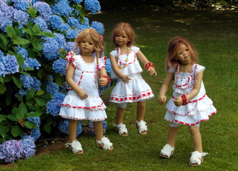 Germany Parks Hydrangea Doll Three 3 Little girls Dress Grugapark Essen Nature wallpaper