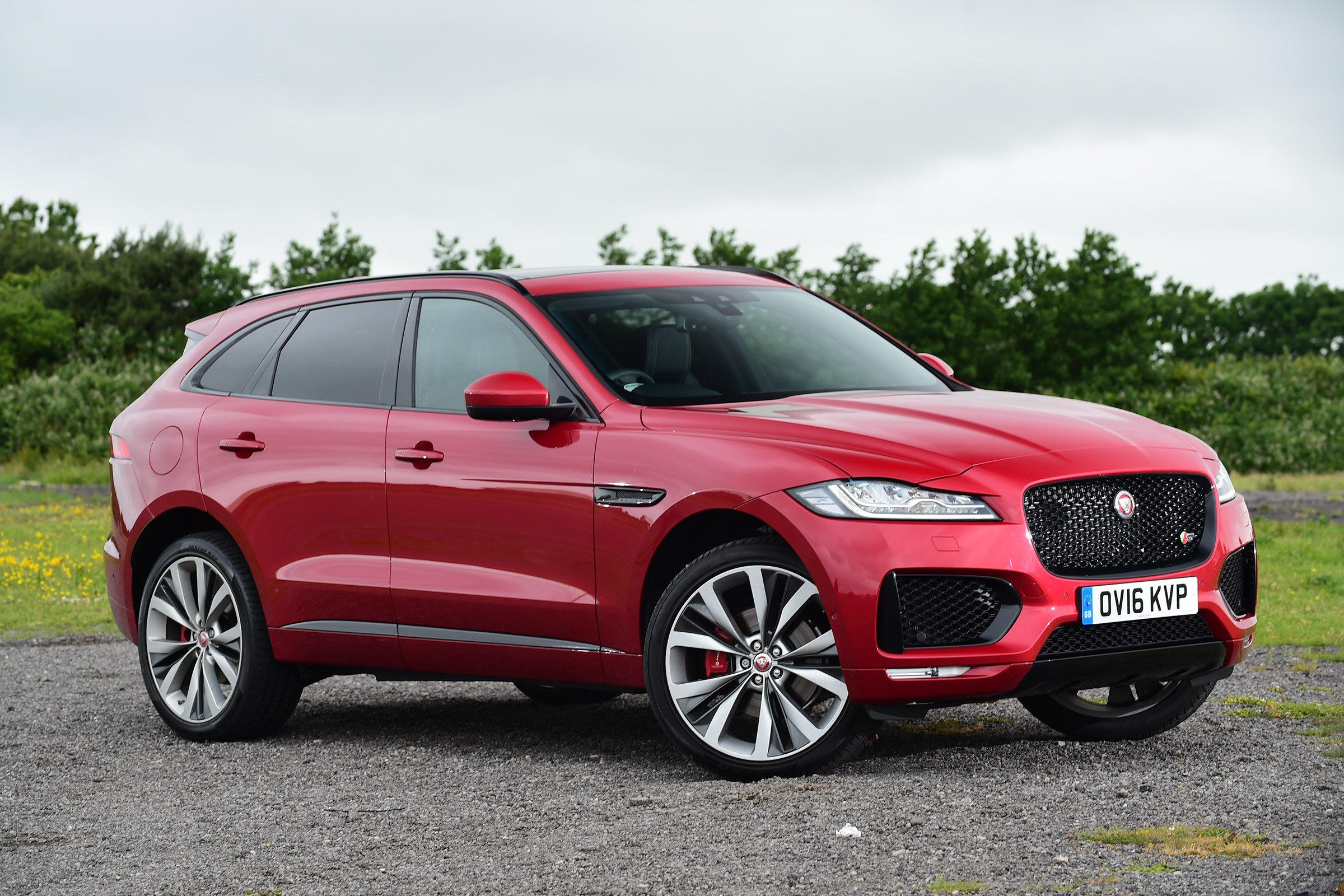 Jaguar Small Suv >> Jaguar F-Pace S 30d AWD UK-spec cars suv red 2016 wallpaper | 2400x1600 | 998208 | WallpaperUP