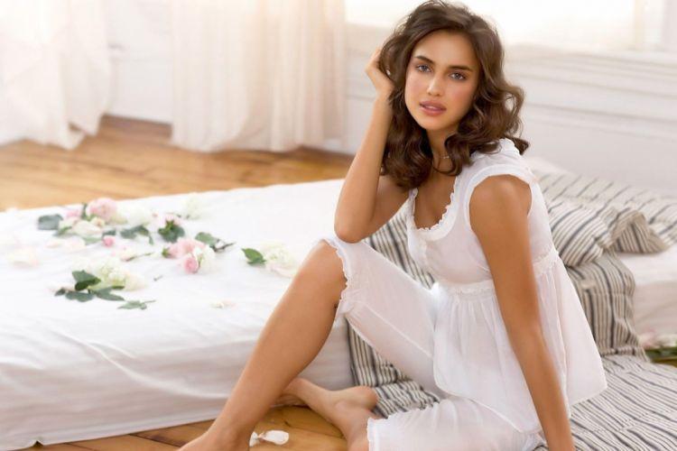 beautiful girl female women woman sexy babe model brunette h wallpaper