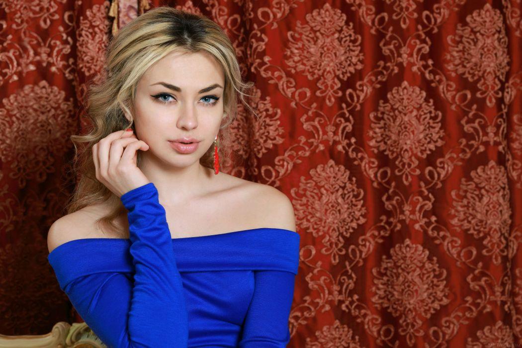 beautiful girl female women woman sexy babe model blonde face b wallpaper