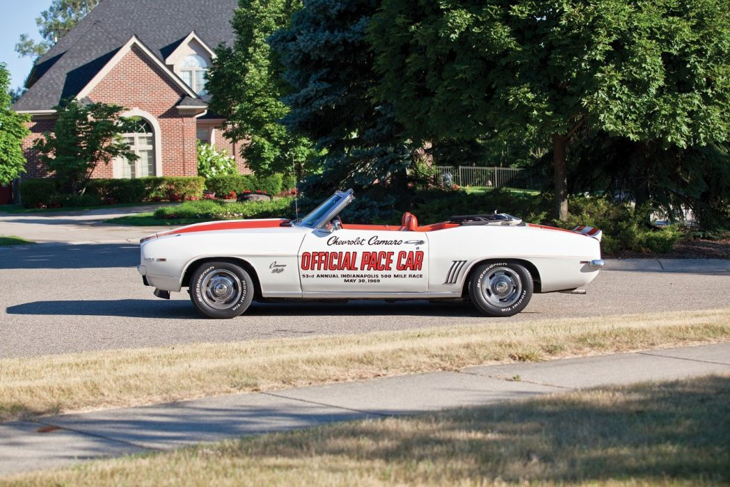 SS 350 Z11 Convertible Indy 500 Pace Cars wallpaper