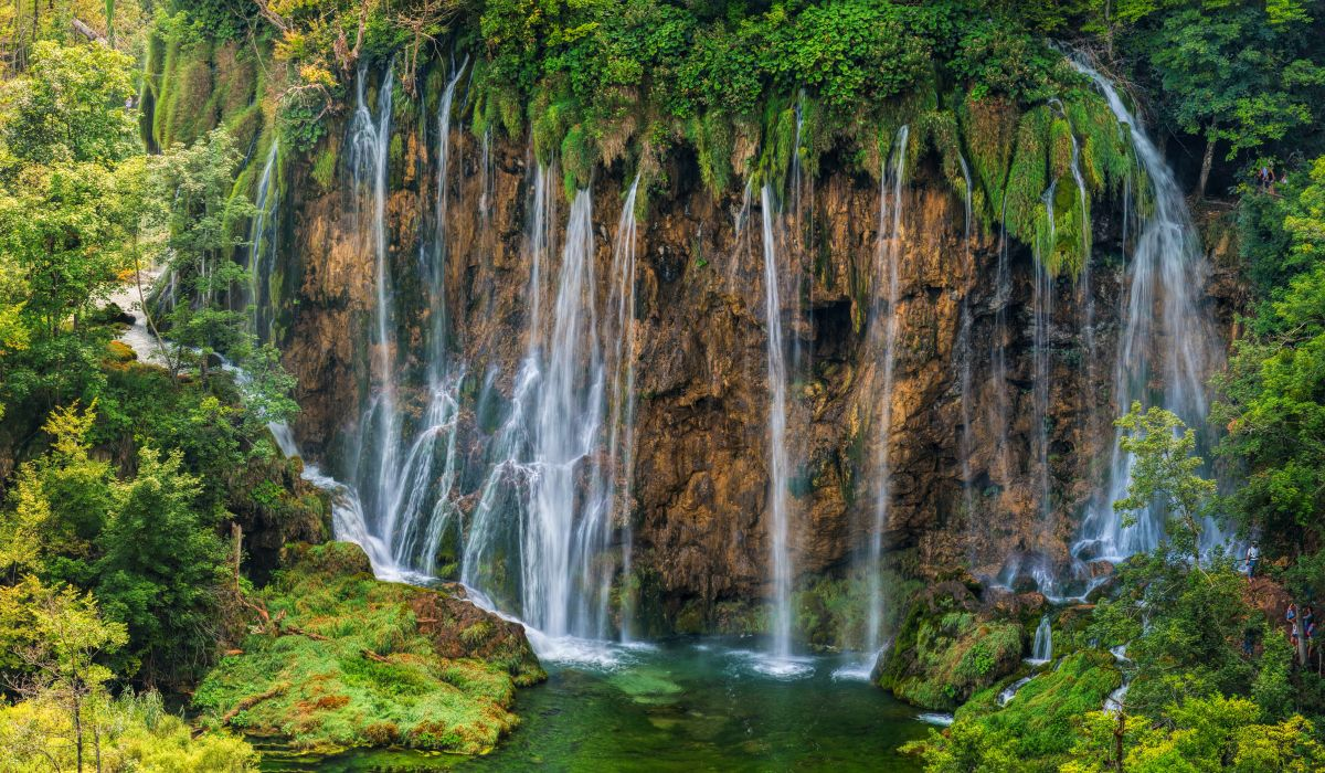 Croatia Parks Waterfalls Crag Plitvice National Park Nature wallpapers wallpaper