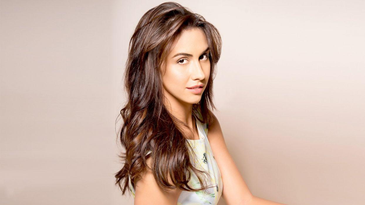 lauren gottlieb bollywood actress model girl beautiful brunette pretty cute beauty sexy hot pose face eyes hair lips smile figure wallpaper