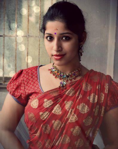 actress-kavya-suresh-hot-saree-11613 wallpaper