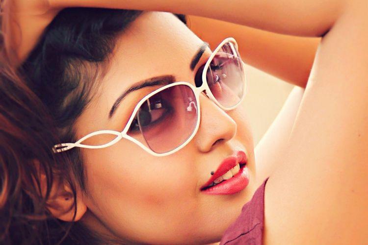 komal-jha-gorgeous-look-in-sunglasses--wide-hd-wallpapers wallpaper