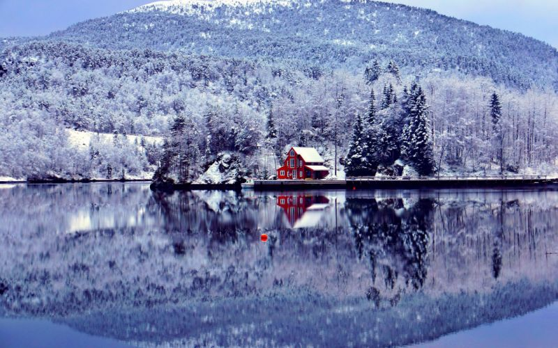 red-lakehouse-in-winter-6106 wallpaper