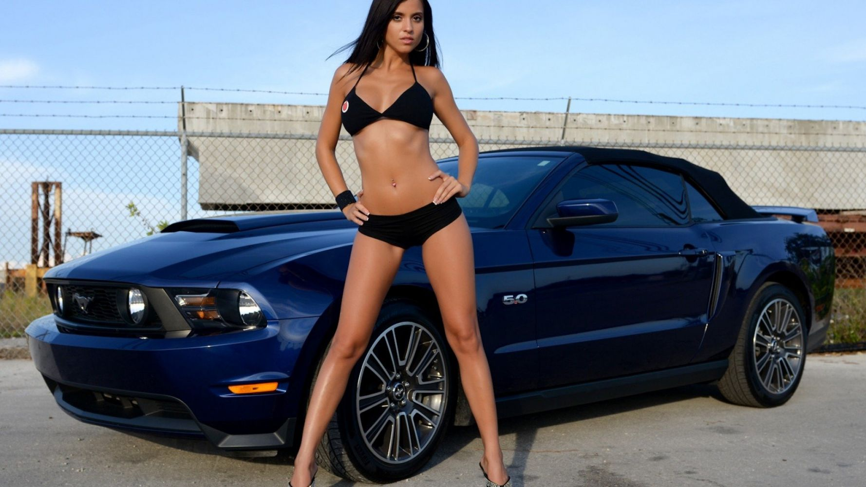 Mustang and nude — pic 14