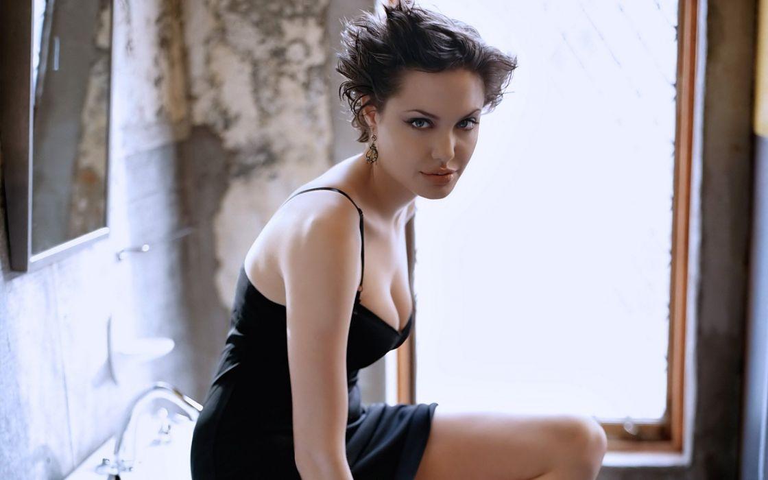 Jolie (1) ~~ [SARIYA BHAI] wallpaper