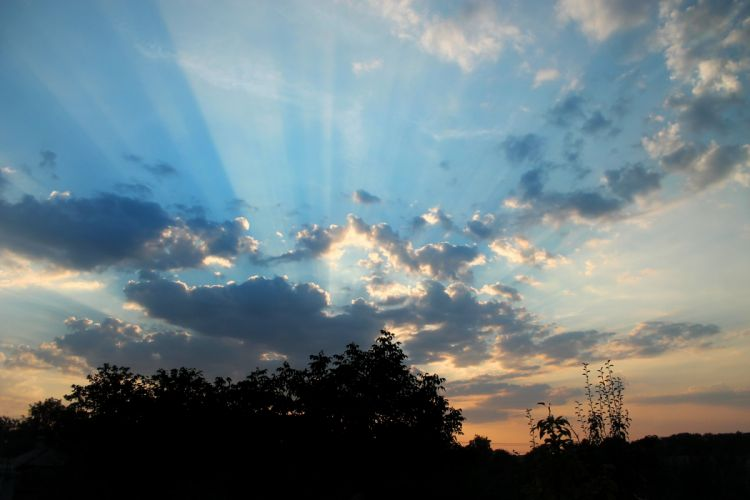 sky clouds sunset rays wallpaper