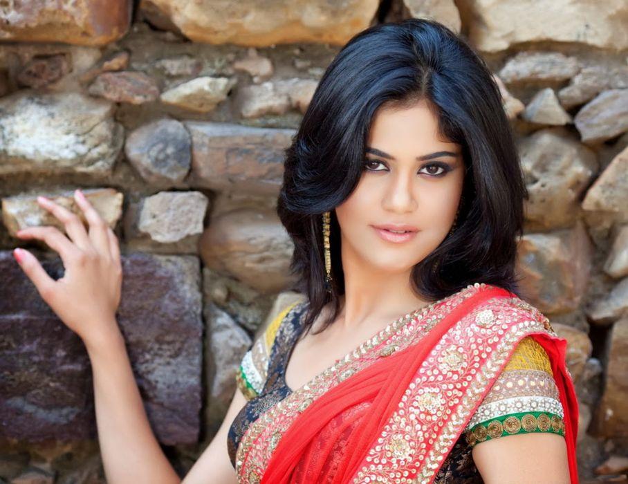 Aaditi Pohankar bollywood actress model girl beautiful brunette pretty cute beauty sexy hot pose face eyes hair lips smile figure indian saree sari wallpaper