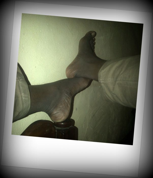 Boy legs foot picture pic wallpaper