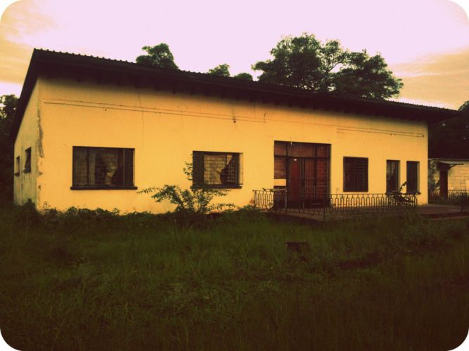 House Old Colonial FarmHouse Green Zambia Africa wallpaper