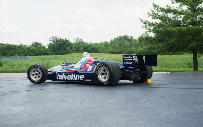 00 Valvoline Indy Cars racecars wallpaper