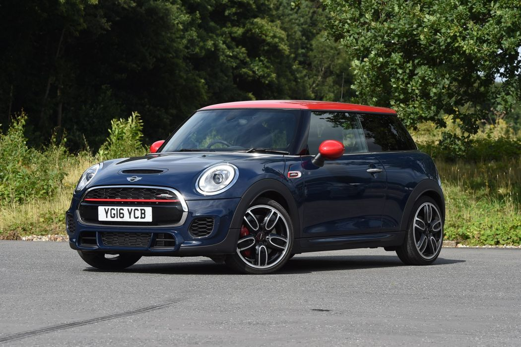 Mini John Cooper Works UK-spec (F56) cars 2015 wallpaper