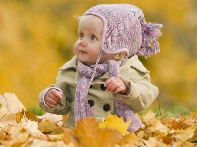 smart babies leaves cute child wallpaper