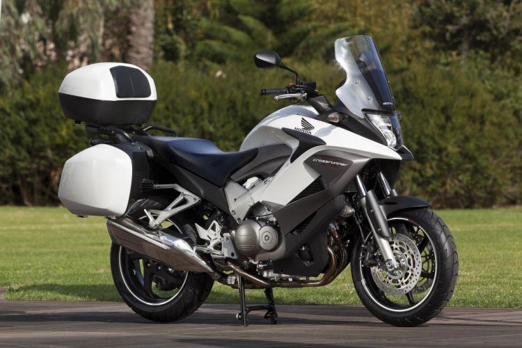 Honda VFR 800 X motorcycles 2011 wallpaper