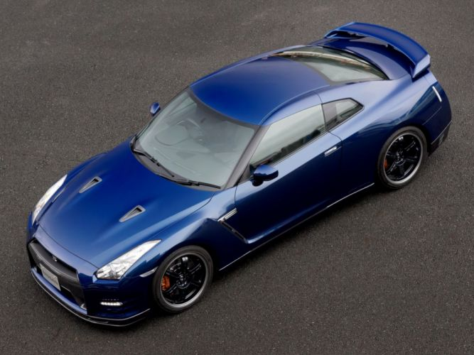 Nissan GT-R Pure Edition For Track Pack 2011 wallpaper