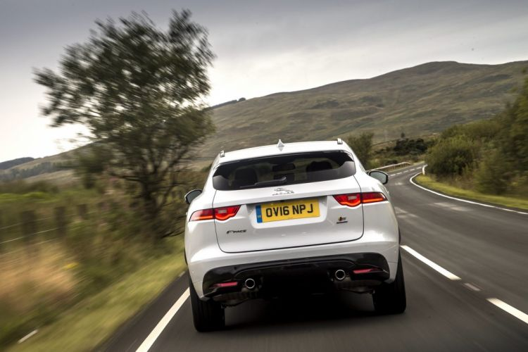 Jaguar F-Pace S 30d AWD UK-spec cars suv white 2016 wallpaper