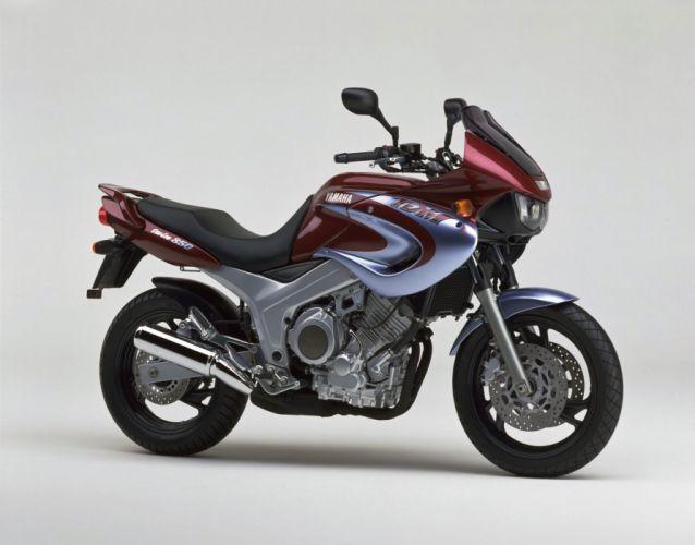 Yamaha TDM 850 motorcycles 2001 wallpaper