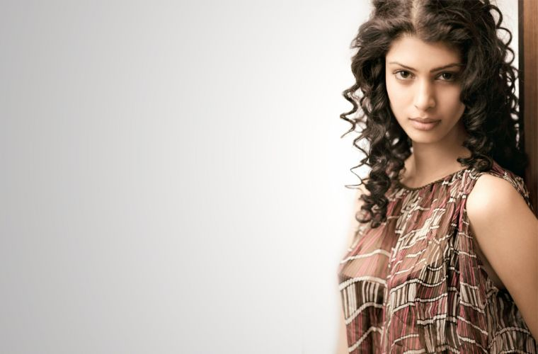 Tina Desai bollywood actress model girl beautiful brunette pretty cute beauty sexy hot pose face eyes hair lips smile figure indian wallpaper