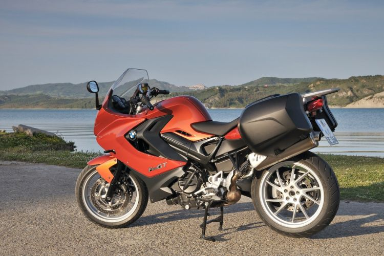 BMW F-800-GT motorcycles 2012 wallpaper