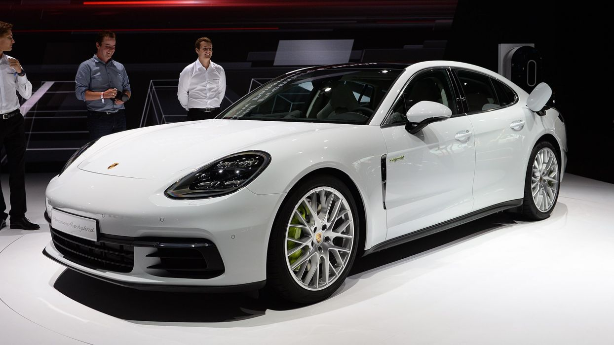 Paris Motor Show 2016 Porsche Panamera-4 E-Hybrid cars wallpaper