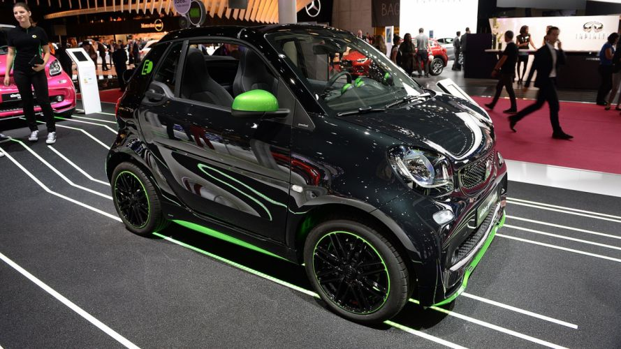 Paris Motor Show 2016 Smart ForTwo-ED cars electric wallpaper