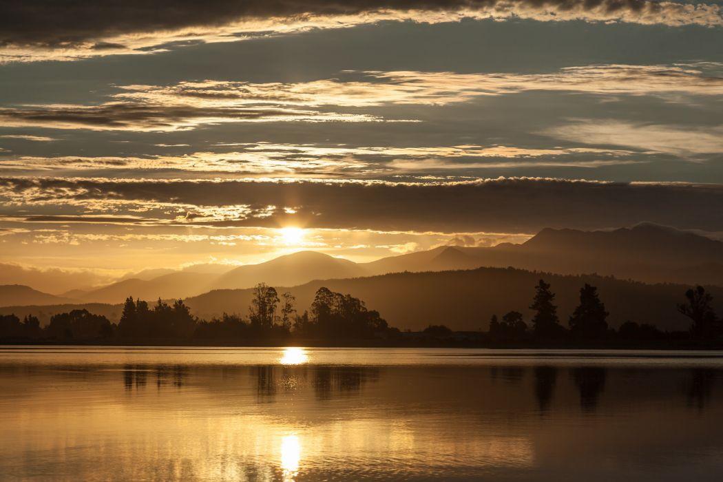New Zealand landscape sunset sun rays wallpaper