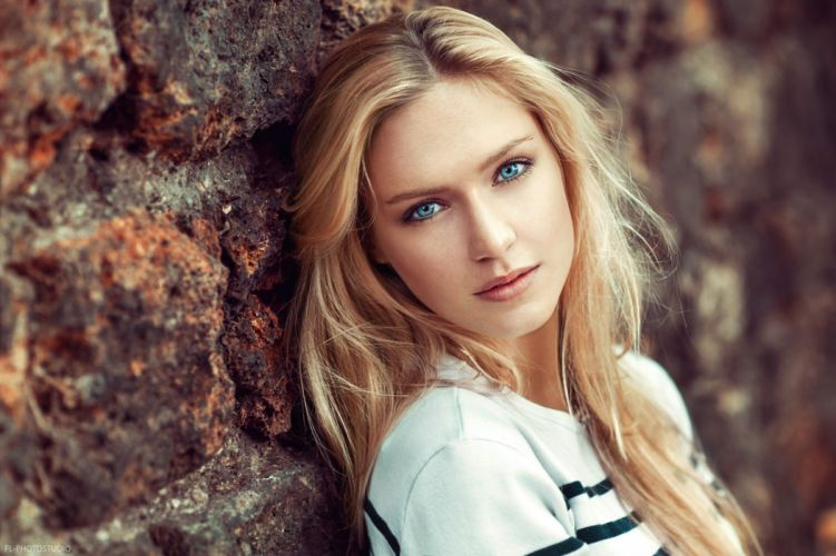 women model looking at viewer long hair face portrait depth of field blonde blue eyes Lods Franck Eva Mikulski wallpaper
