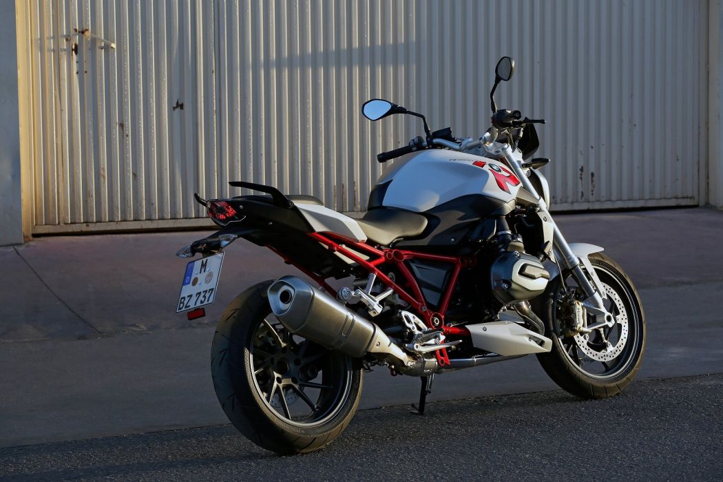 BMW R-1200-R motorcycles 2015 wallpaper