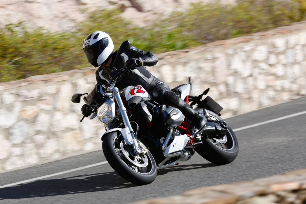 BMW R-1200-R motorcycles 2015 wallpaper