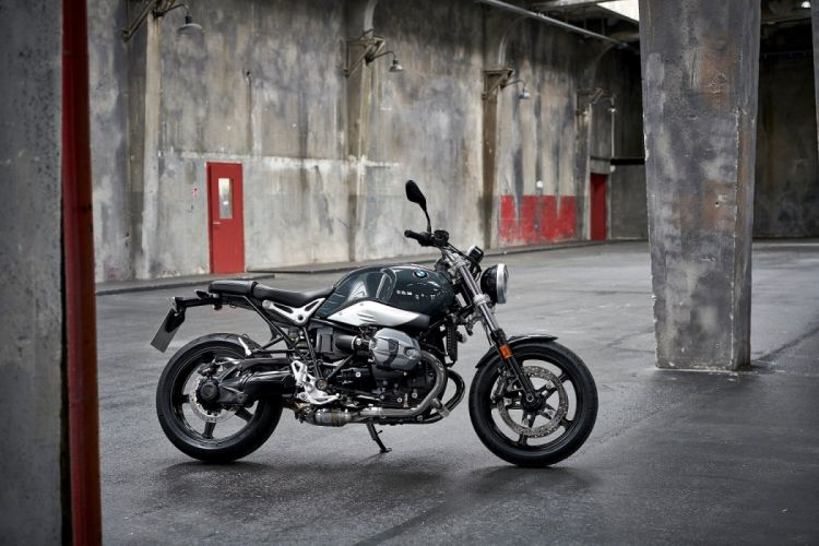 BMW R-nineT Pure motorcycles 2016 wallpaper