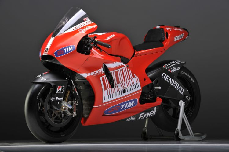 Ducati Desmosedici GP10 motorcycles races 2010 wallpaper