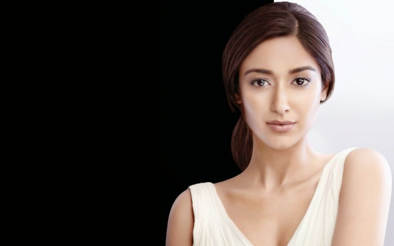 ileana d'cruz bollywood actress model girl beautiful brunette pretty cute beauty sexy hot pose face eyes hair lips smile figure indian wallpaper