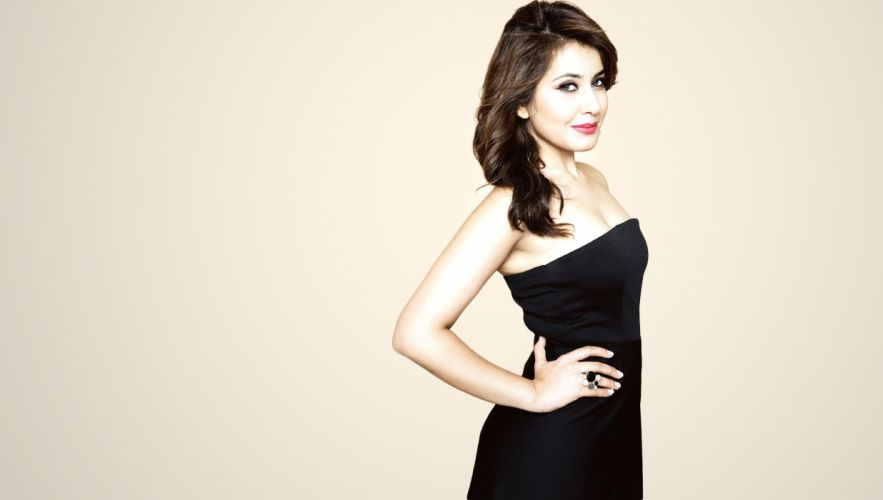 Raashi Khanna bollywood actress model girl beautiful brunette pretty cute beauty sexy hot pose face eyes hair lips smile figure indian wallpaper