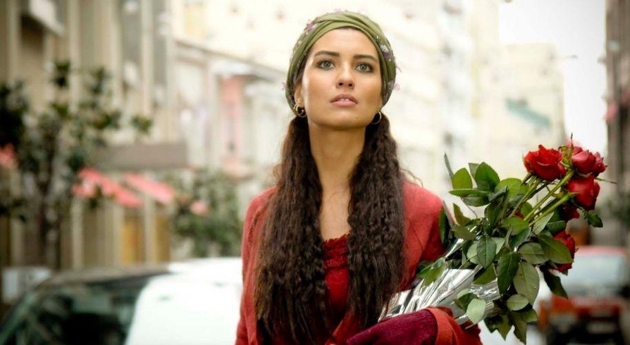 TubaBuyukustun actress women long hair earrings blurred bunch of roses nature rose turkish wallpaper