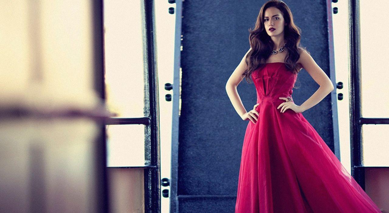 FahriyeEvcen actress dress long hair red dress turkish female woman beautiful wallpaper