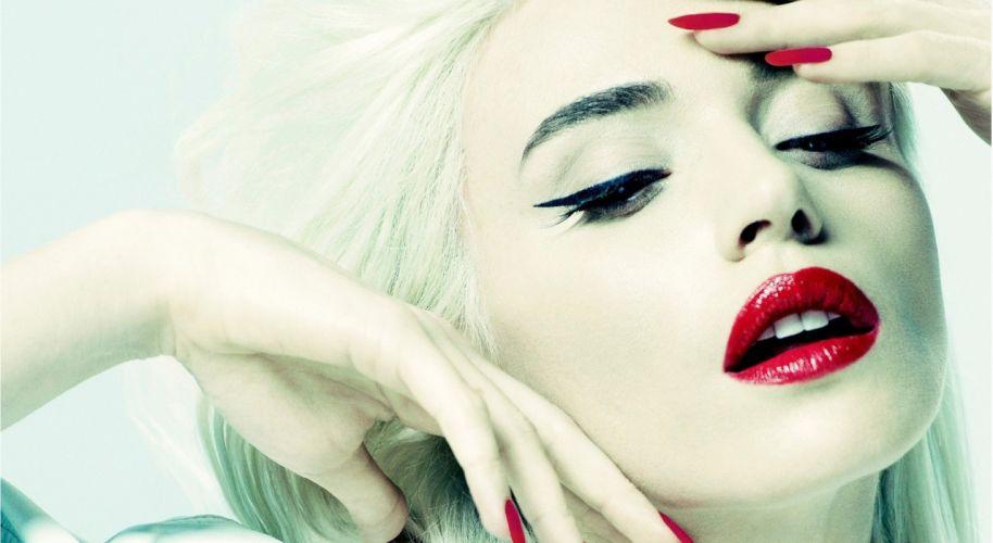 Gulsen singer lipstic kred woman female girl turkish wallpaper