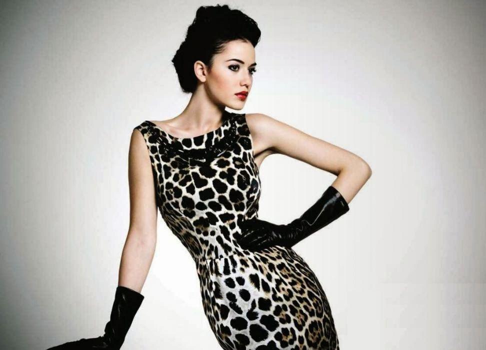 FahriyeEvcen Turkish actress beautiful girl woman female dress wallpaper