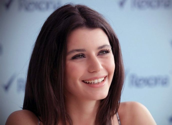 famous turkish actress berensaat woman female smile beautiful wallpaper