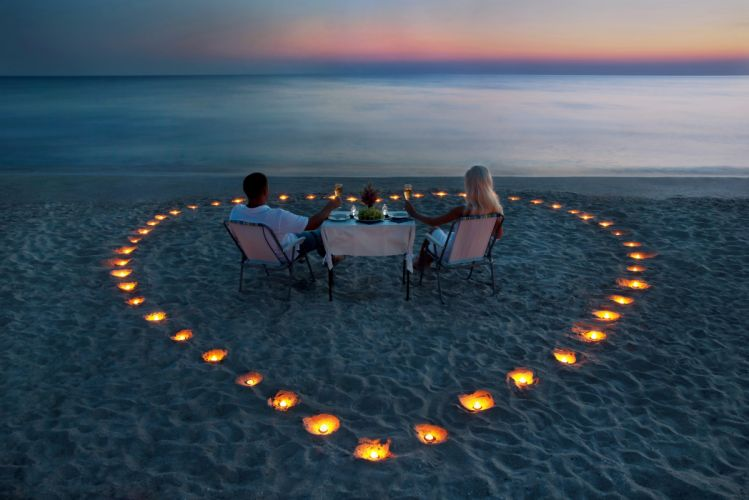 Table evening blonde dinner couple loce wallpaper