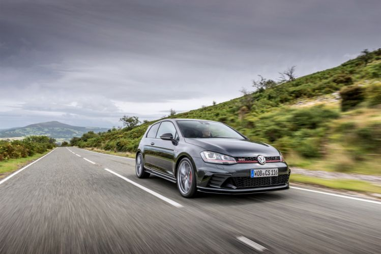 Volkswagen Golf GTI Clubsport-s UK-spec (Typ 5G) cars red 2016 wallpaper