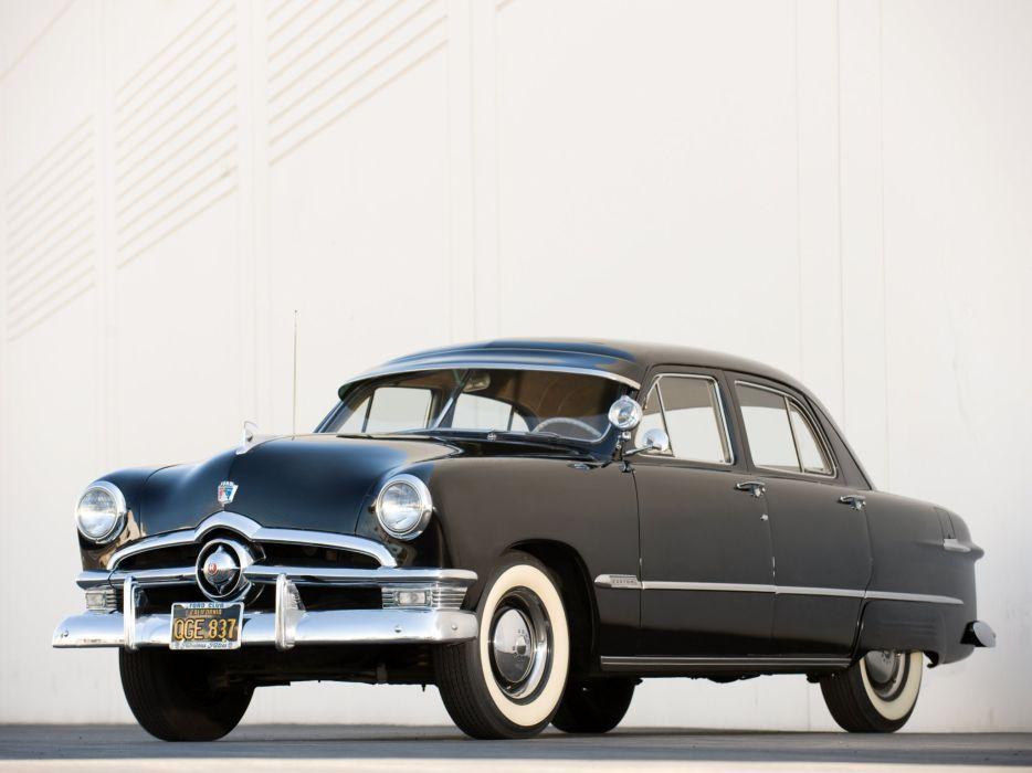 Ford Custom Deluxe Fordor Sedan 1950 wallpaper